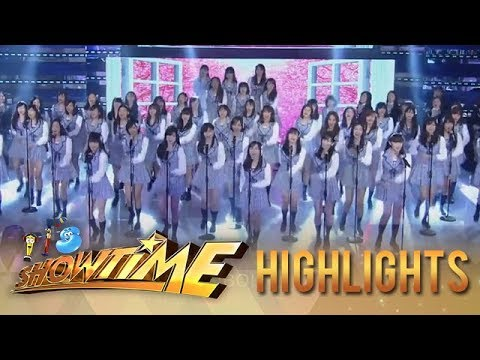 """It's Showtime: MNL48 performs the Tagalized version of AKB48's """"Sakura"""""""