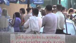 Bob Arno films pickpockets in Russia