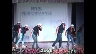 World's best funny dance ever performed by Employe
