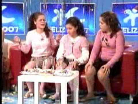 Tania, Beatriz y Noelia cantando Fandangos (Menuda Noche)