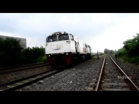 Hebooh!! KA Gajayana Nyaasar di Stasiun Sidoarjo !!!