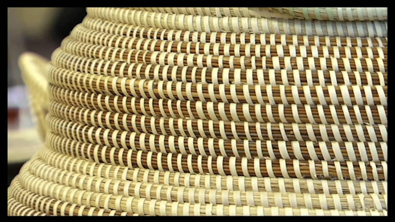 How To Make A Woven Grass Basket : Sweetgrass basket weaving