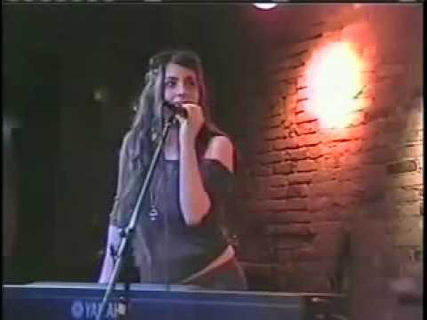 LADY GAGA LIVE 2006 PERFORMING