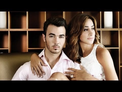 Kevin &amp; Danielle Jonas GIVEAWAY! Win an Autographed Hat &amp; More!