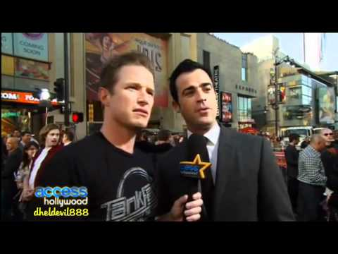 Justin Theroux talks about Jennifer Aniston at the Rock of Ages Premiere