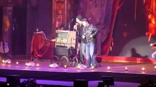Ricardo Arjona ft. Manuel Mijares - ARENA CIUDAD DE MEXICO -  Mi Novia Se Me Está Poniendo Vieja