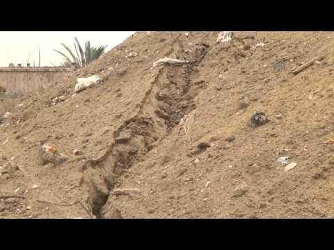 Egypt army's flooding of Gaza tunnels creates sinkhole