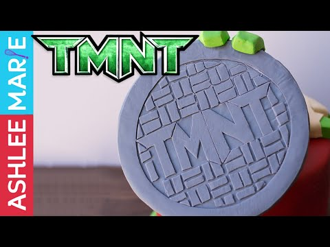 Teenage Mutant Ninja Turtles fondant manhole cover - TMNT cake 1