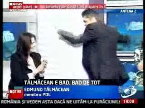 Romanii au talent!Un dobitoc din pdl Edmond Talmacean il imita prost pe Michael Jackson mori de ras