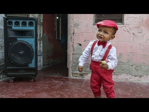 Liam, el niño al que le gusta más el Carnaval que jugar
