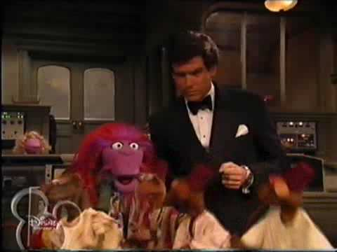 Muppets Tonight - S2 E4 P1/3 - Pierce Brosnan