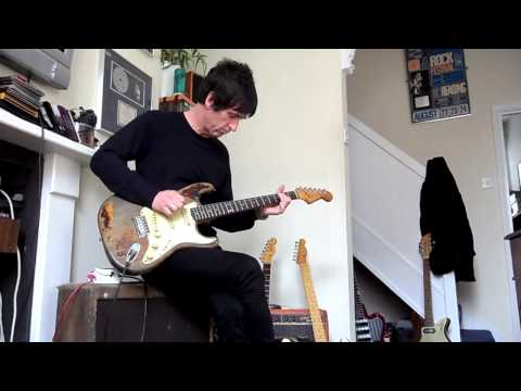 Johnny Marr Playing Rory Gallagher&#039;s Strat!