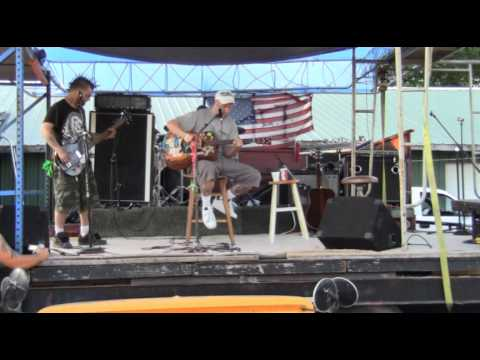 LAKE TRASH (I Dropped my Beer) - Rock Music - Concert - musical Genre - Live - Band
