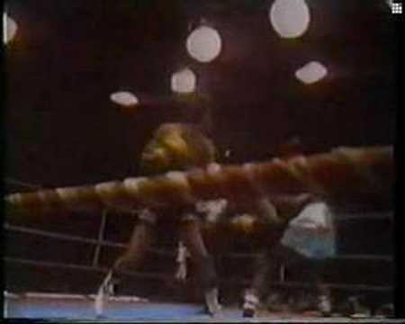Carlos Monzon vs Rodrigo Valdez II Round 1 Video