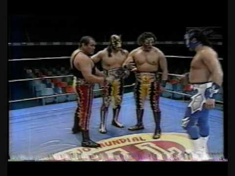 Luchadores Los Infernales Rencor Latino y Los Infernales
