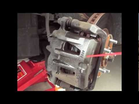 how to change front brake pads on nissan qashqai