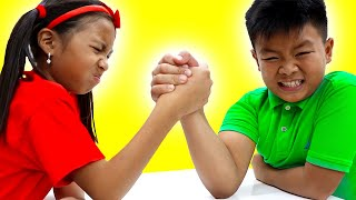 Wendy and Alex Pretend Play Arm Wrestle Exercise Contest for Kids Toys