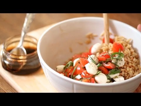 Caprese Pasta Salad With Toasted Pine Nuts | Everyday Health