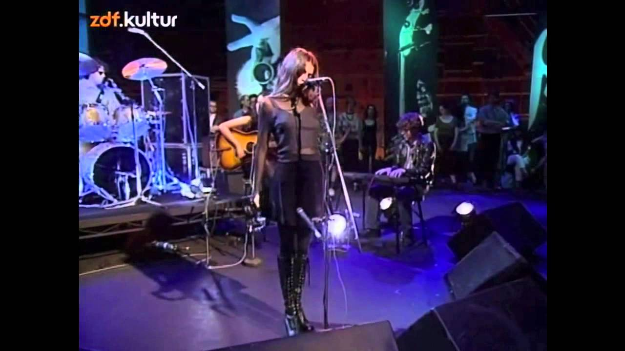 Mazzy Star - Fade into you & Blue Flower (live @ Later ...