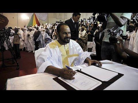 Rebeldes tuareg firman el acuerdo de paz en Mali
