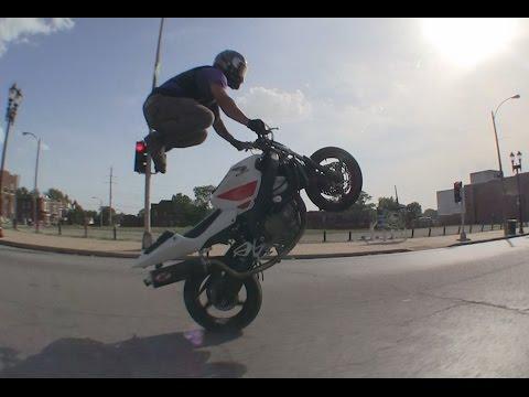 Street Motorcycle Stunts - Blox Starz StreetFighterz Saint Louis, MO 2014 Wheelies Drifting Stoppies