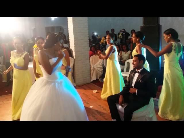 Best Ethiopian Bride singing her husband