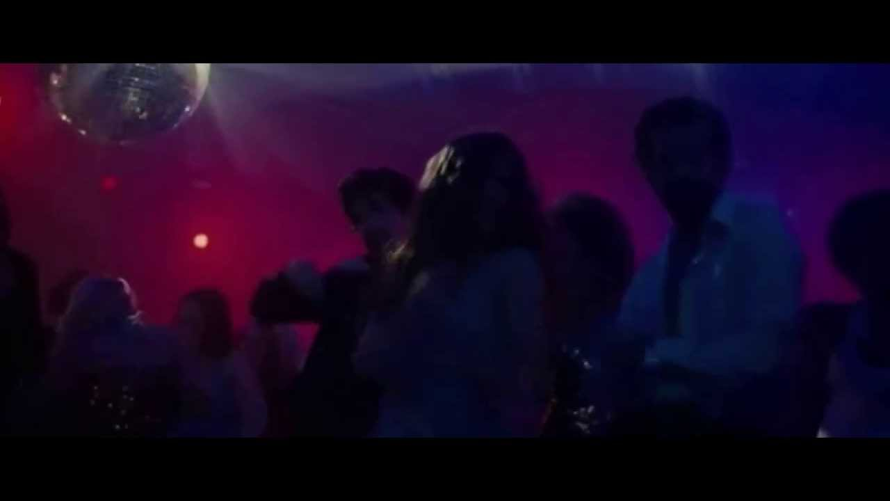 American hustle dance scene youtube for American hustle bathroom scene