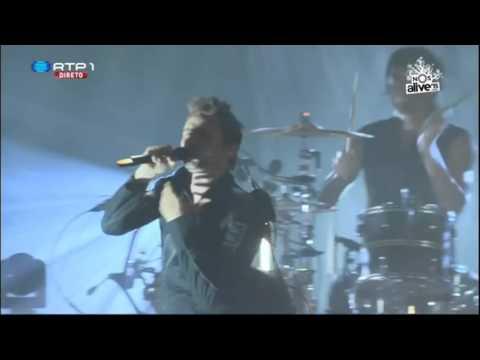 Download  Muse - Dead Inside Live 2015 Gratis, download lagu terbaru