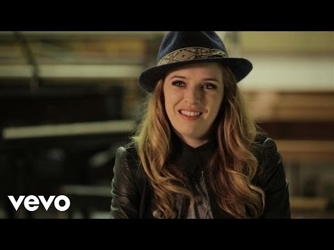 ZZ Ward - Move Like U Stole It
