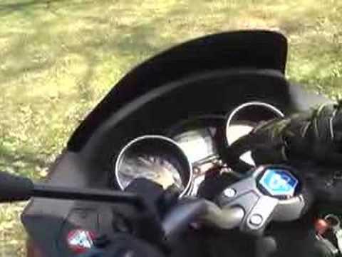 Piaggio MP3 500 scooter