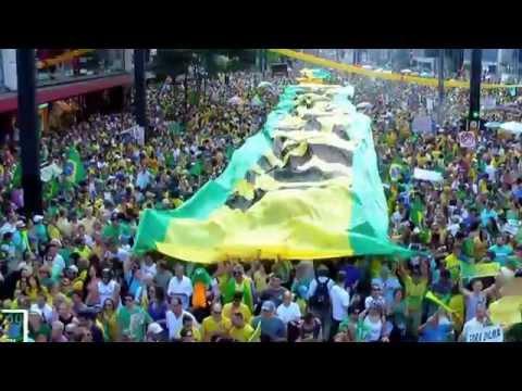 Multidão vai ao Delírio com a Clássica 'Brasil!' de Gal Costa, nas Diretas Já!