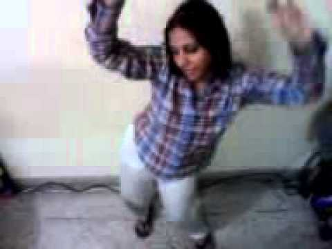 Sensational Hot Indian Girl Dancing to Hit Indian Item Song