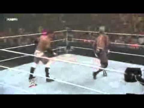 Combo Kicks and Savate Kick - Justin Gabriel Image 1