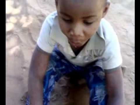 Four year boy drives a car-chid play.wmv