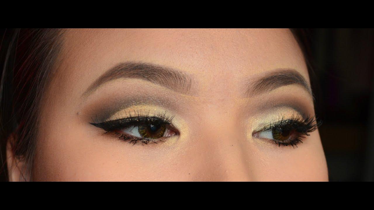 Eye crease makeup