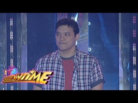 It's Showtime Singing Mo 'To: Richard Reynoso sings