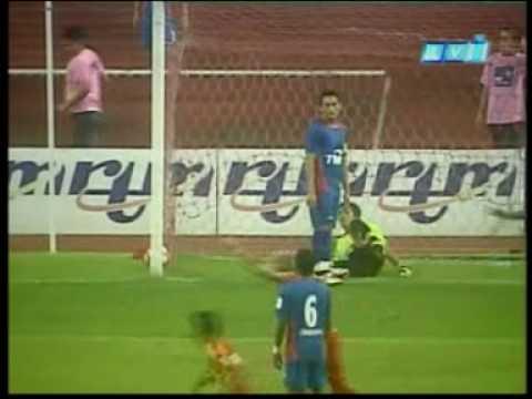 Semi Leg 1 - 30.03.2010 - Piala FA - Stadium Shah Alam. Punca gaduh = gunalan & no 19. pastu D suren tolak2 kuat sikit.. pastu shukor masuk cmpur tak puasati...