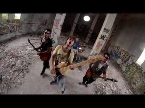 Sin Arreglo - Ya no necesito el amor (videoclip)