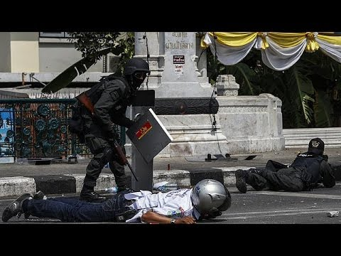 Police and protestors killed as gun battles erupt in Bangkok