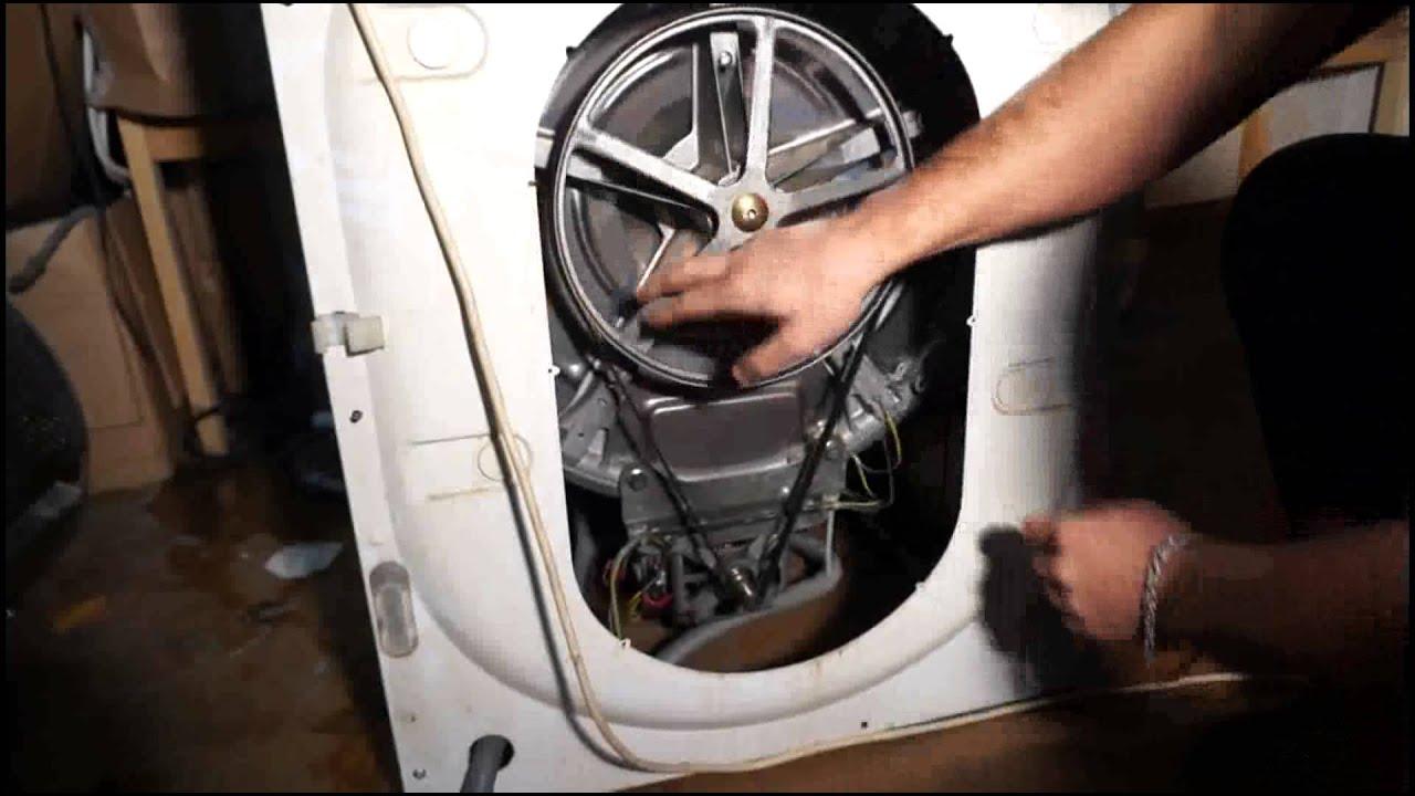 Трахнул девушку на стиральной машинке 24 фотография