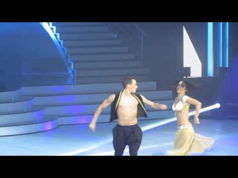 Alizée et Grégoire Lyonnet - Jai Ho (Bollywood)