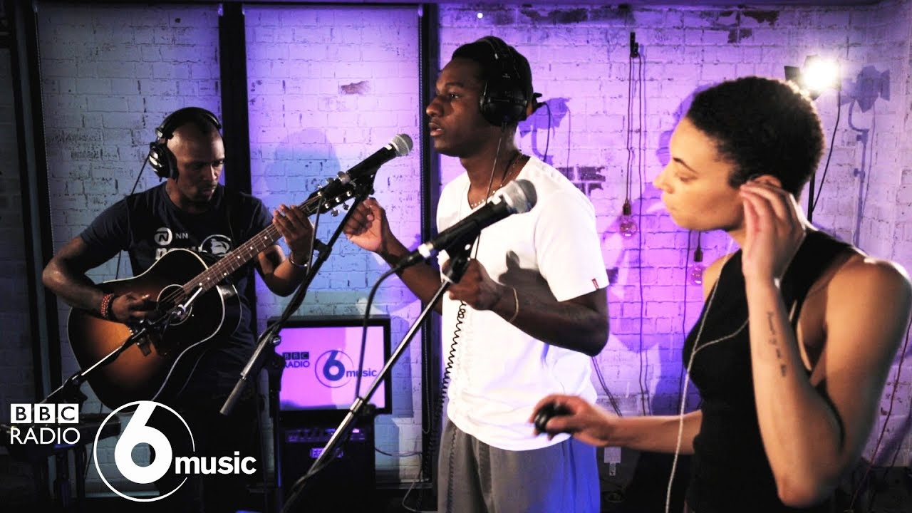 Leon Bridges - Shy (6 Music Live Room)