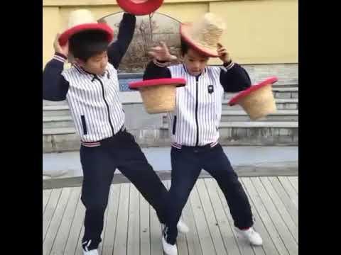 رقص شعبي رائع اطفال رائعون thumbnail