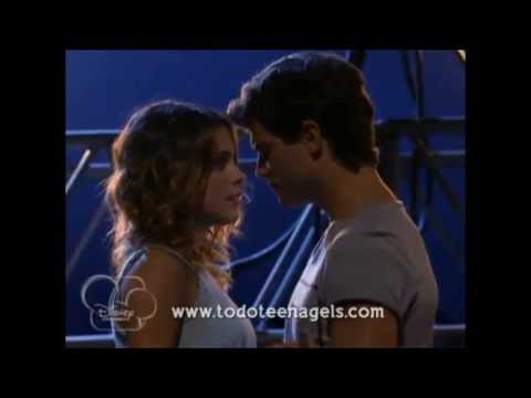 Violetta y Diego Kiss the girl
