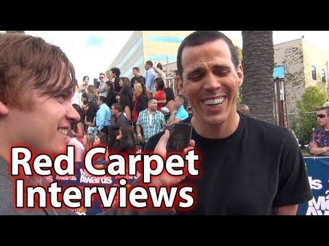 Red Carpet Interviews At The MTV Movie Awards!