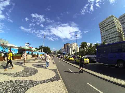 Praia de COPACABANA Rio De Janeiro BRASIL 12 jUIN 2014 12h00 !