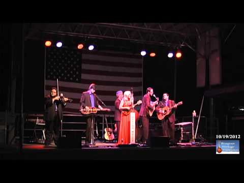 Rhonda Vincent - When I Close My Eyes