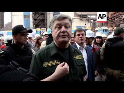President Poroshenko visits embattled town