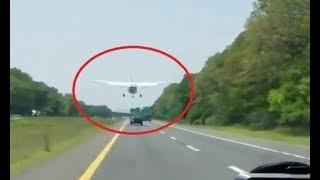 Đứng tim nhìn máy bay hạ cánh trên đường cao tốc đông đúc