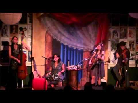 The Wailin Jennys - Cherry Blossom Love